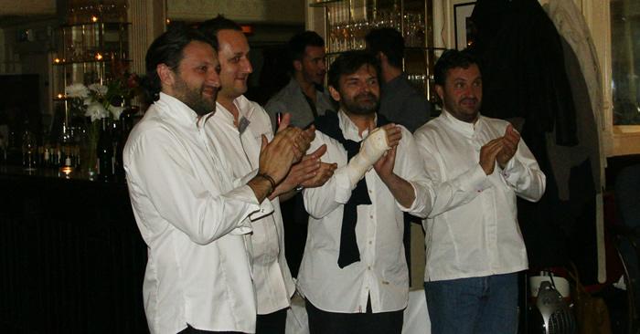 Avec son équipe, Bruno Doucet- chef de la Régalade-, Stéphane Jégo de l'Ami Jean,