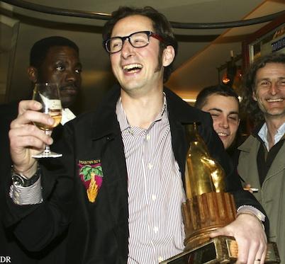 Nicolas Decatoire recevant sa Bouteille d'Or, le 4 avril 2011