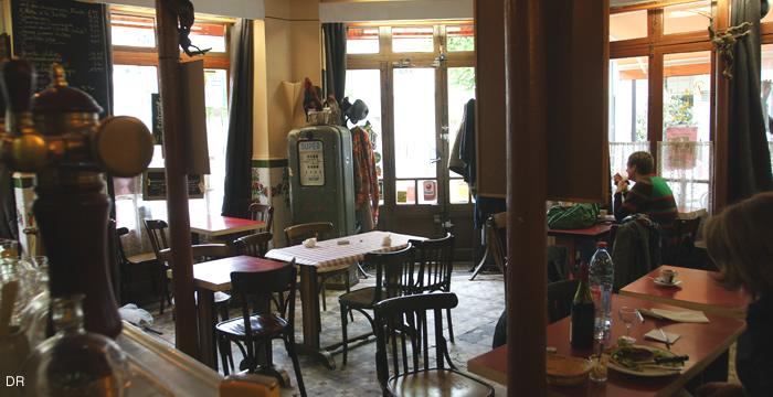 bar-fleuri-salle2