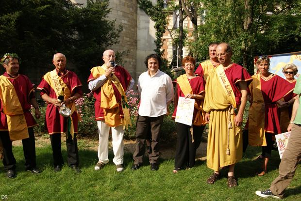 Yves Camdeborde intronisé à la Saint-Juliénas des Prés de 2007.