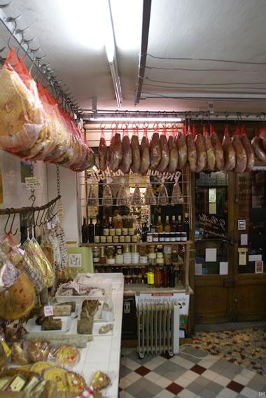 A la Ville de Rodez, rendez-vous des bons jambons