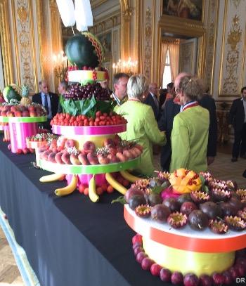 fruit-sculptures