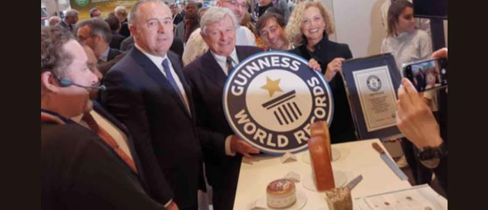 Le plus grand plateau de fromages dans un restaurant au Monde est français