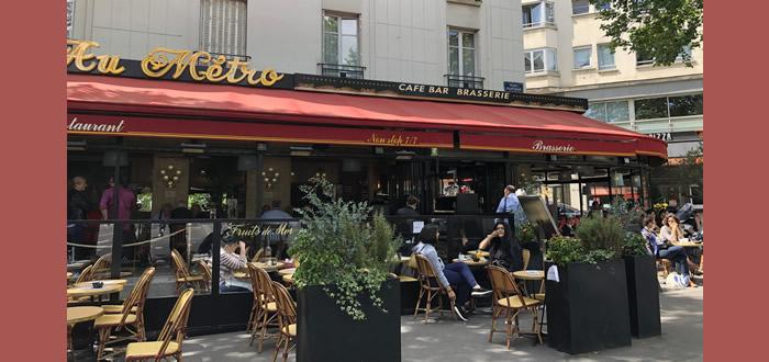 Au Métro, place Félix Eboué