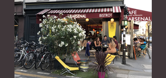 L'Arsenal, pur bistro sixties à Paris